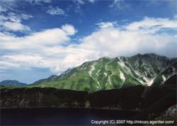 立山室堂から剱岳方面を望む