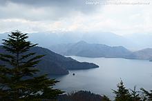 まだ山桜咲く中禅寺湖へ